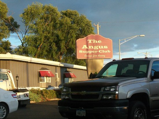 Jones' Black Angus: Great place for steaks