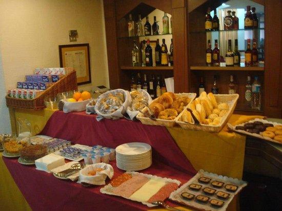 Pasarela Hotel: Café da manhã.