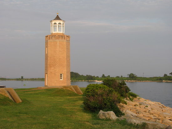 Avery Point Light : Avery Pt. Light House