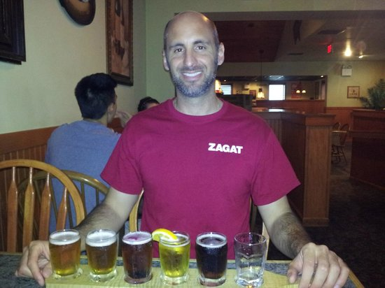 T. J. Rockwell's American Grill & Tavern: Beer sampler and Roving Professor