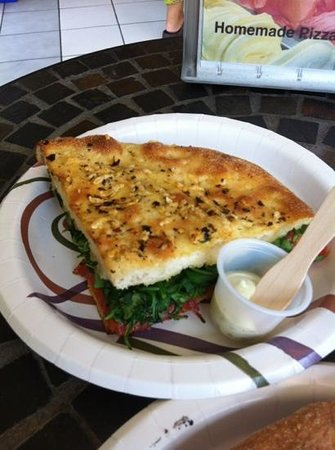 Food - Duetto Pizza and Gelato: .