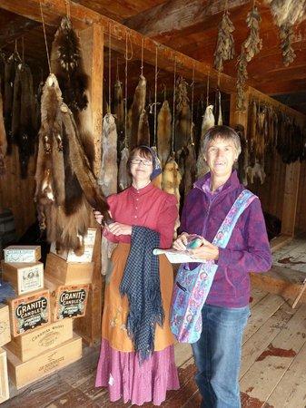 Fort St. James National Historic Site: Im Lagerhaus und Pelzlager