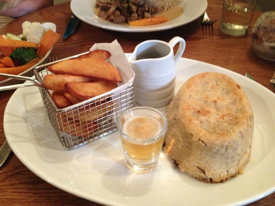 The Blacksmiths Arms: Steak & ale pie with suet crust