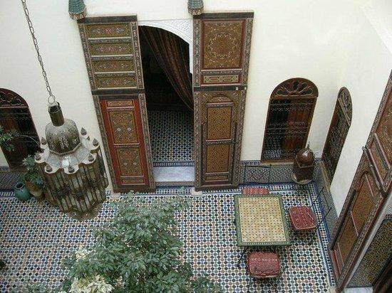 Dar Iman: Vista del comedor de verano desde las habitaciones (octubre 2010)