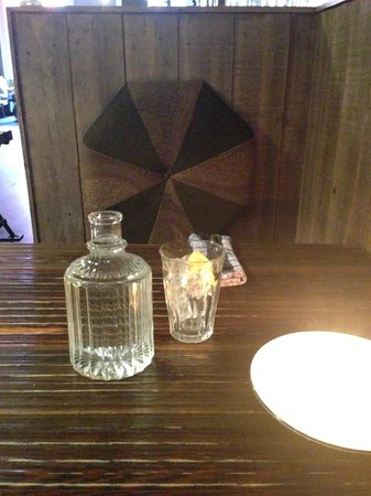 Lucky 7 Canteen: A little booth for two....