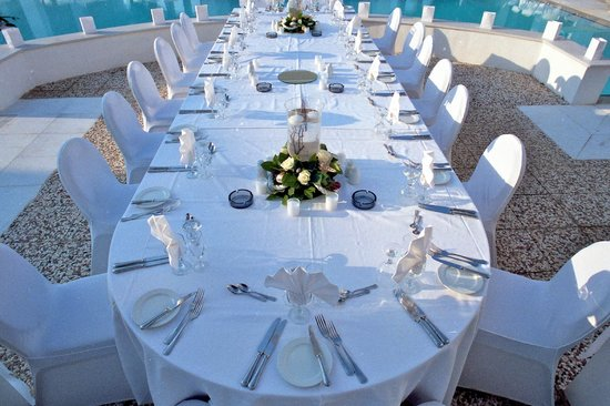 Dining at Nissia - Wedding setting