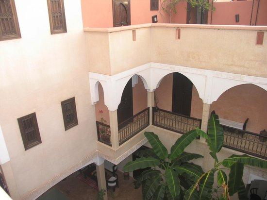Riad l'Oiseau du Paradis : Vue du corridor