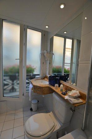 Best Western Plus Hotel Sydney Opera: Bathroom