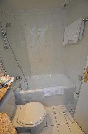 BEST WESTERN Hotel Sydney Opera: Bathroom