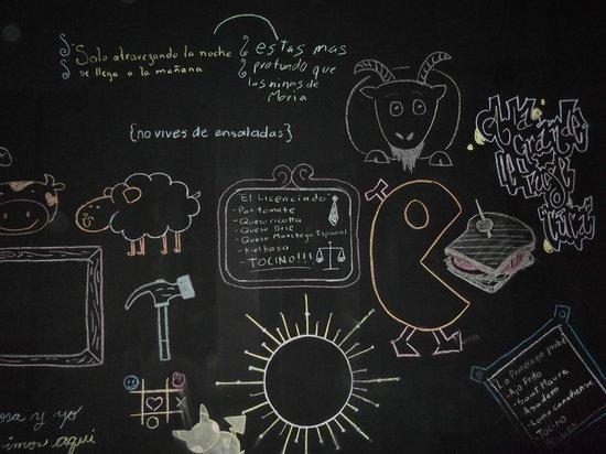 Deliciosa Sandwicheria y Deli : Chalkboard-wall art