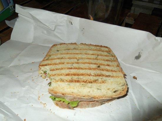 Deliciosa Sandwicheria y Deli : Sandwich, yummy!!!