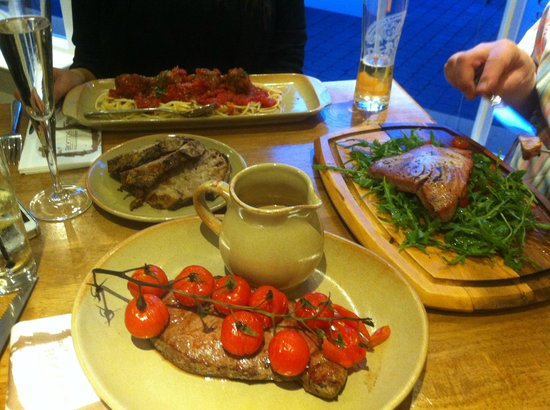 Roccos Restaurant: lovely dinner