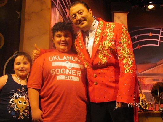 Presley's Country Jubilee: Buddies....