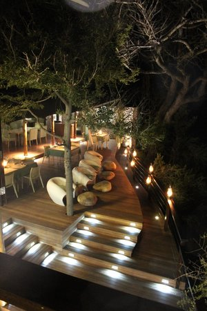 andBeyond Ngala Tented Camp: Outdoor Dining