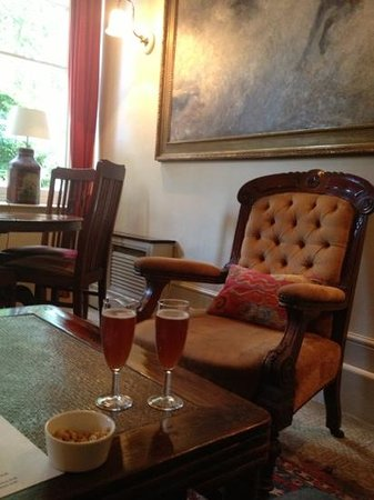 Portobello Hotel: kir royale relaxing in lounge