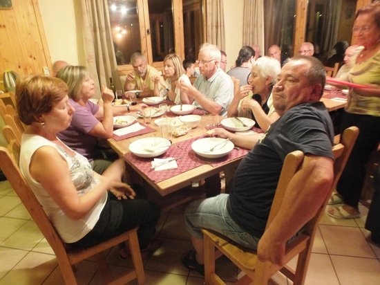 Chalet St. Joseph, Alpine Ethos: Dining area