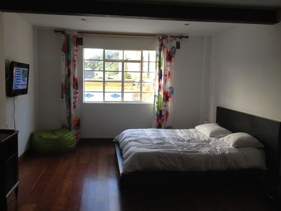 Hotel Casa Guadalupe: lovely big bedroom - pic doesn't do this justice