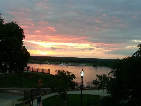 Watching the sun set over the Mississippi from the Natchez Grand Hotel