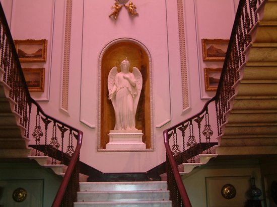 Westport House & Gardens: Staircase