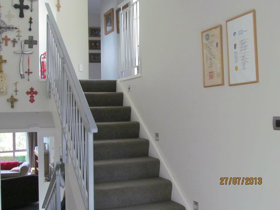 Airport Guesthouse: Private area to Family rooms