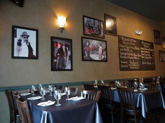 Clemenza's at Uptown: Interior