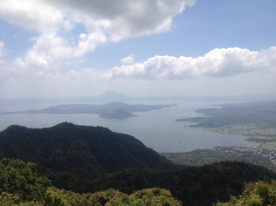 Taal Vista Hotel: View of Taal lake from the hotel