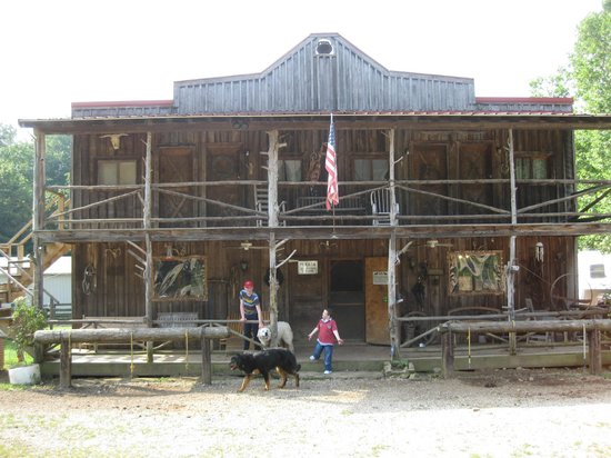 Shawnee Lodge and Conference Center: Ben's horse trail place