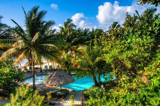 Xanadu Island Resort: Overlooking the pool and grounds with Caribbean Sea in the backgroun