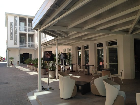 Hotel Helvetia: Hotel e Lounge QuBe