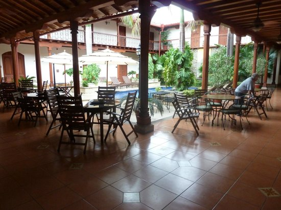 Hotel Plaza Colon: Casual dinning