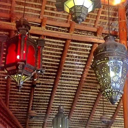 Maria Corona Restaurant: lanterns