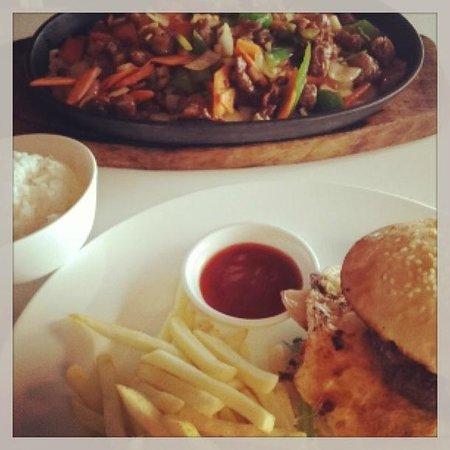 Cardo's Steakhouse & Cocktail Bar: Mongolian Lamb stir fry and Monster Burger