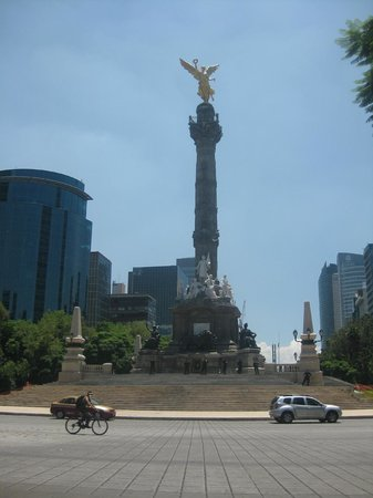 Suites Del Angel: Angel de la Independencia Dia