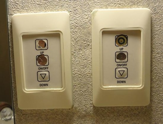 The Independent Hotel: Light controls in the bathroom
