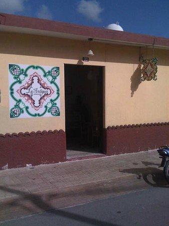 La Antigua: Fachada de La Antigüa en Cozumel