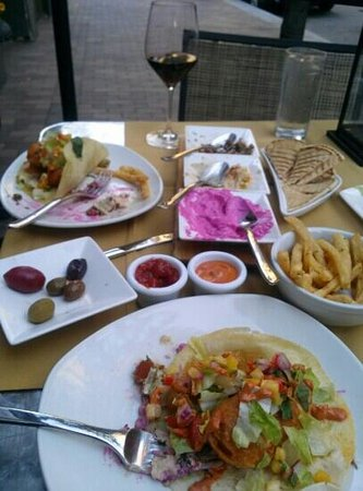 Sonoma Grille: fish tacos and app