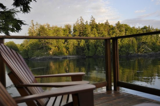 Bostrom's B&B On Little Beach Bay: A Relaxing Afternoon at Bostrom's