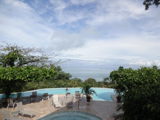 La Mariposa Hotel: View from the infinity pool
