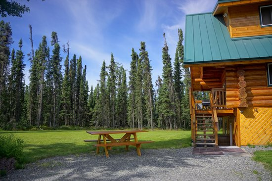 Salmon Catcher Lodge : One of the cabins at the lodge