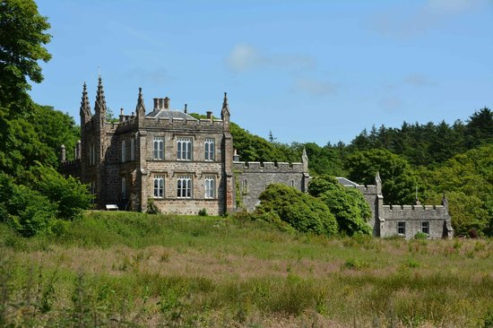 The Ugadale Hotel & Cottages: Glenbarr Abbey clan house