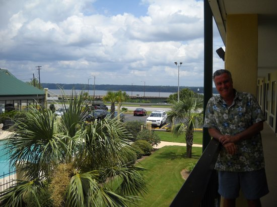 Quality Inn & Suites Eufaula: outside our room with lake and river in background