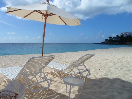 Carimar Beach Club: praia na frente do hotel