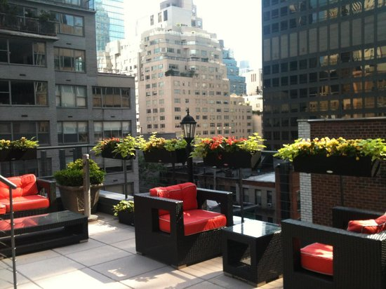Carvi Hotel New York: Roof top deck!