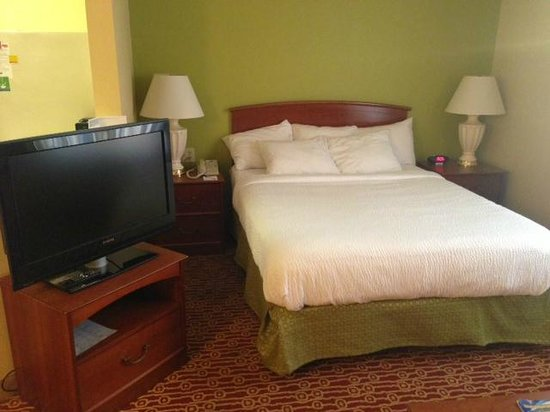 TownePlace Suites Cleveland Streetsboro : Bed
