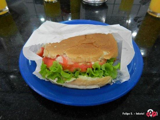 Photo of American Restaurant Hamburguer do Seu Oswaldo at Rua Bom Pastor 1659, Sao Paulo 04203-052, Brazil