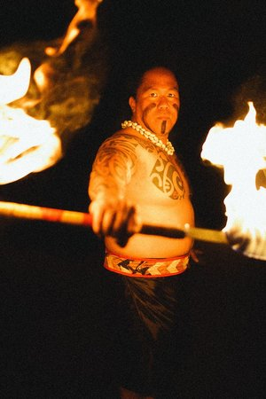 Drums of the Pacific Lu'au: Drums of the Pacific Luau Samoan Fire-Knife Dance