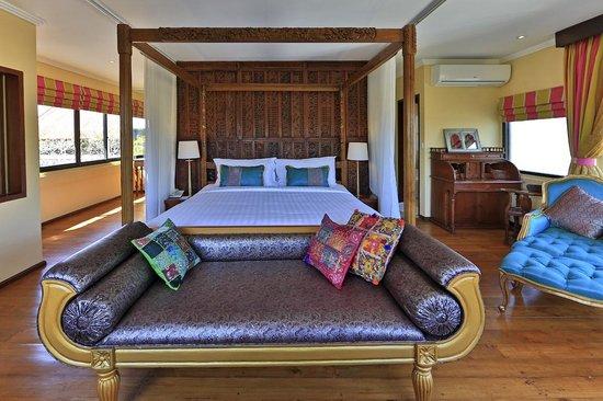 Four On Drupadi: Pyaar - Second Floor Bedroom