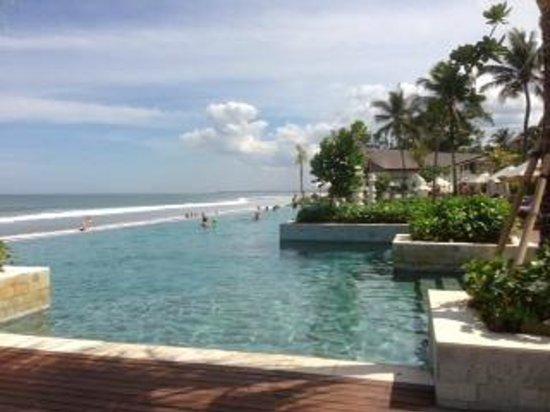 Review The Seminyak Beach Resort And Spa