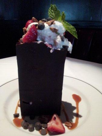 Truluck's Steak & Stone Crab: chocolate bag dessert..amazing!