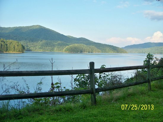 Fontana Village Resort : Fontana Dam Picnic area